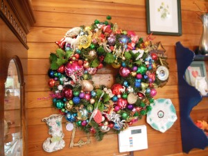 The most awesome holiday wreath ever?! I think maybe...