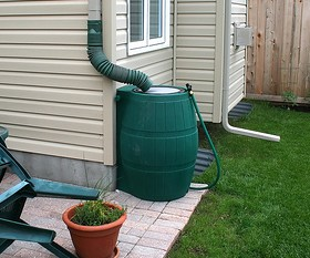 A rain barrel [image from lifehacker]